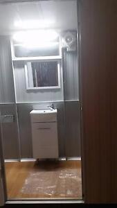 Bathroom unit Oakford Serpentine Area Preview