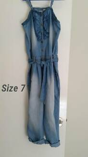 Girls lightweight cotyon overalls size 7