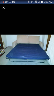 Lounge fold out bed