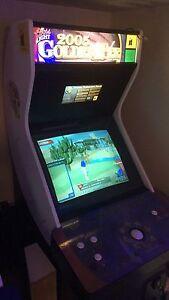 2005 GoldenTee arcade machine complete w/29 courses