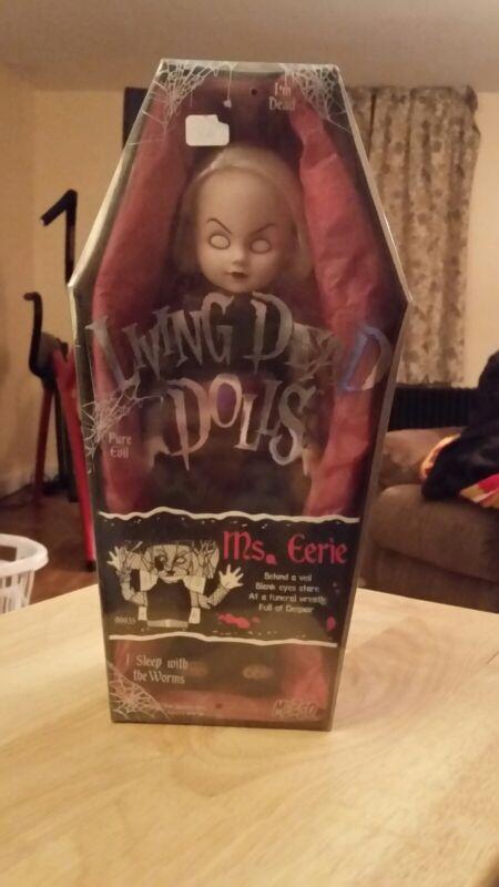 Ms. Eerie The Living Dead Mezco Dolls