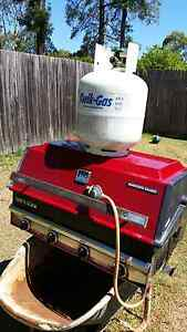 BARBECUE    GALORE    IN   GOOD    CONDITION    WITH  GAS  BOTTLE Westmead Parramatta Area Preview