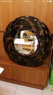 Round mosaic glass decor
