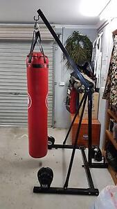 Boxing Stand + Heavy Bag Balwyn North Boroondara Area Preview