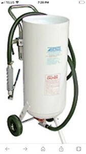 Sandblaster Portable Pressure  10-Gallon NEW