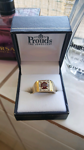Gents  Ruby/Dimond  gold ring (prouds) PRICE DROPPED Merriwa Wanneroo Area Preview