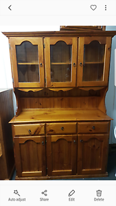 Solid Timber Buffet and Hutch Werrington County Penrith Area Preview