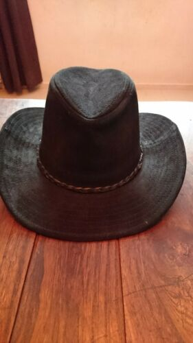 Chapeau western noir cuir veritable (style velours) neuf jamais porte