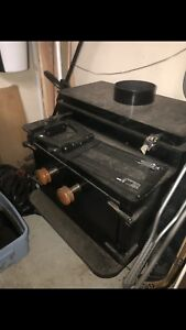 Great condition wood burning stove for sale !! Make an offer!