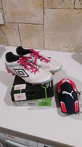 Soccer boots - Girl Oakford Serpentine Area Preview