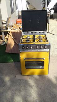 Free standing Caravan oven and cook top for sale