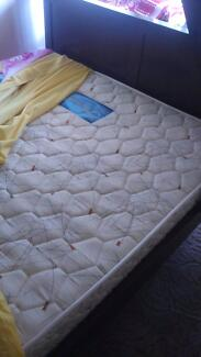 Kid's Bunker bed with mrattress for sale with good condition