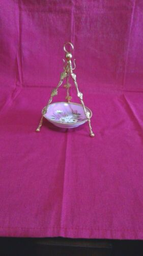 Beautiful Vintage Jewelry Dish - Round with Pink / gold Framing