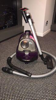 Phillips 1800W Vacuum