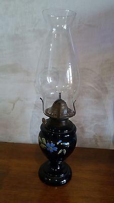 Lampada a petrolio o olio in vetro nero Anno 1920