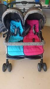 Twin pram. Robina Gold Coast South Preview