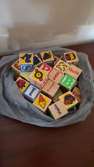 Bag of wooden blocks