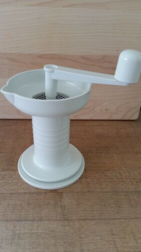 Hard to find Kidalog Baby Food Mill w/Stainless blade- even does meat! BPA Free