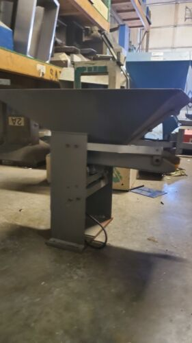 Hendricks Engineering Vibratory Parts Hopper