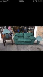2 SEATER COUCH SET - GREAT CONDITION - DELIVERY AVAILABLE