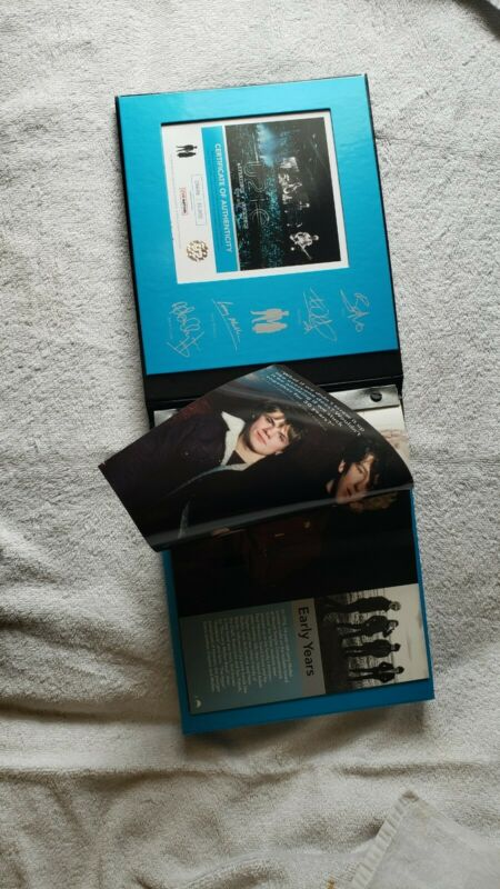 U2 2018 VIP Concert Tour Book Experience & Innocence Limited Edition #09696