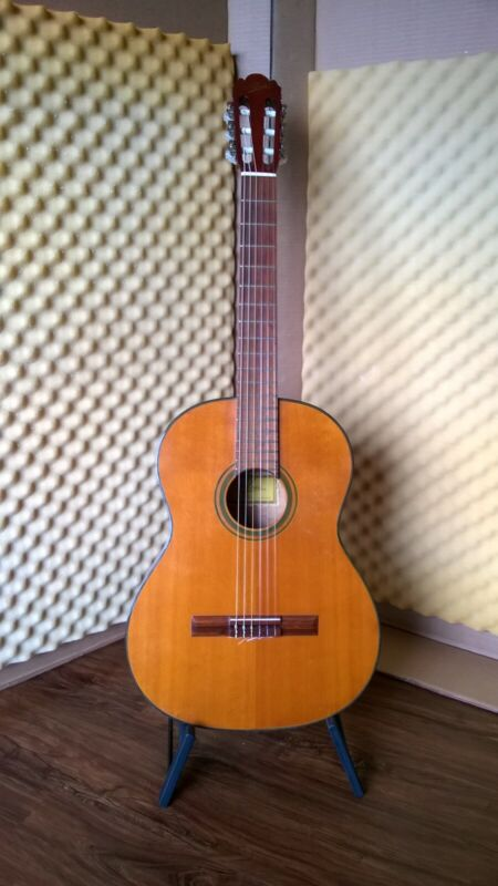 Vintage 70s Aria A551 classical guitar