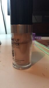 Makeup Forever ULTRA HD foundation in Y205 (lightest shade)