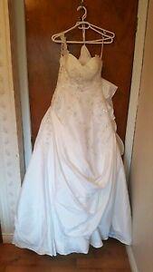 Mon Cheri wedding gown