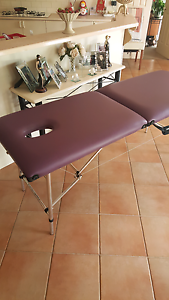 Massage table Narre Warren South Casey Area Preview