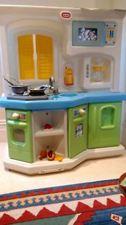 Children's Little Tikes cookin fun interactive kitchen