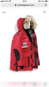 Canada Goose Snow Mantra down filled parka XL