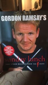 Gordon Ramsay's Sunday Lunch Cook Book, DVD included!