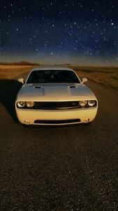 Mint 2013 Dodge challenger