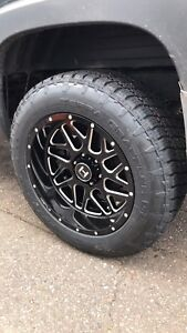 20x10 hostiles and tires