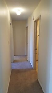 2 Bed Apartment Available in Great Location! Call (306)314-0214