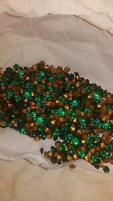 Swarovski vintage 24 chatons ss18 Emerald N°16