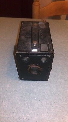 Ancien appareil photo Six-20 target hawk-eye