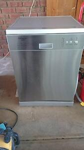 Stainless steel look dishwasher Golden Grove Tea Tree Gully Area Preview