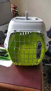 Pet Carrier - Green, For cat or small dog. Holmesville Lake Macquarie Area Preview