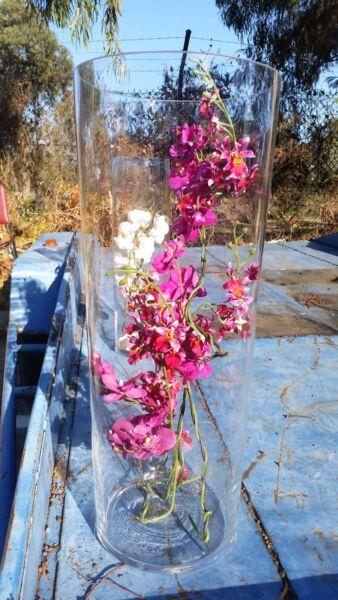Large glass vasses Anne Nilsson designWith silk flowers