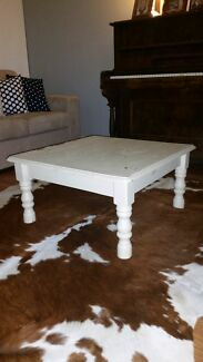 Shabby chic coffee table!  Wauchope Port Macquarie City Preview