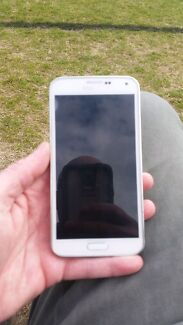 Samsung s5 for sale or swap Berkeley Vale Wyong Area Preview
