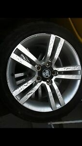 18 s commodore rims and tyres Coorparoo Brisbane South East Preview