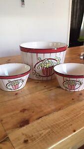 Popcorn ceramic bowls