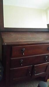 Dresser and mirror Carrum Kingston Area Preview