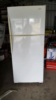 420L Westinghouse fridge freezer