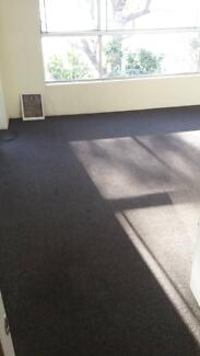 Carpet used  .grey.