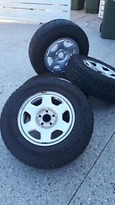 Near New Cooper Discoverer AT/3 LT225/75 R16 Tyres x4 on rims