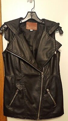 MISS LONDON FAUX LEATHER BLACK HOODED VEST SZ S TUNIC ZIPPER LINED EXCELLENT!!!! ()