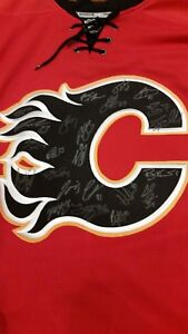 Team signed Calgary Flames Jersey 2016/17
